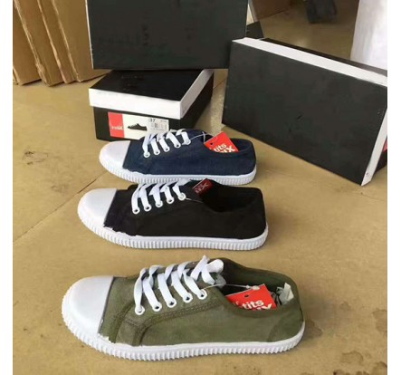 Good Quality France Brand Overstock Canvas Shoes For Lady
