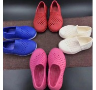 Hole Shoes Stock Lot Flat Sole Light Weight